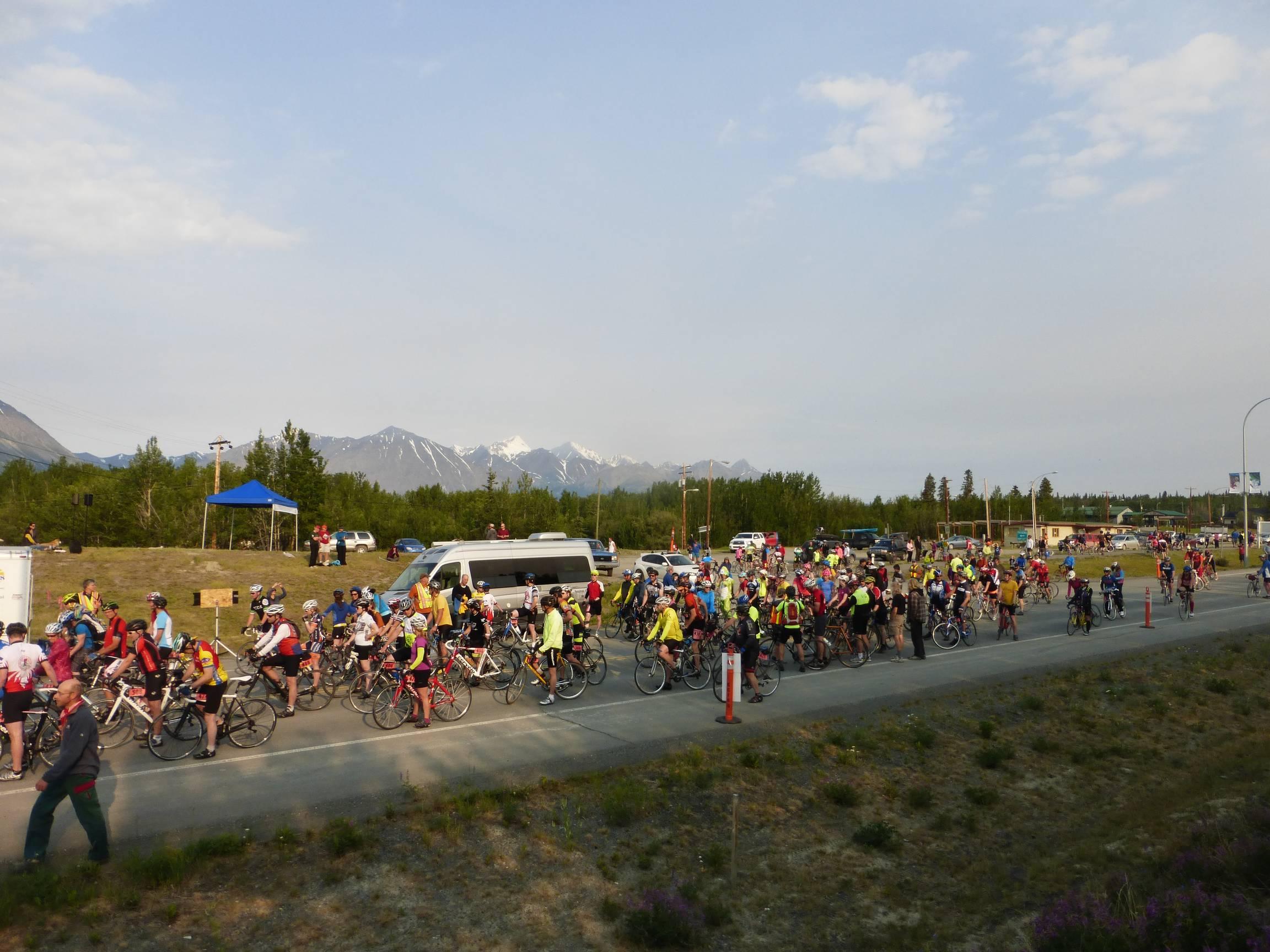 Kluane-Chilkat International Bike Relay b, June 2015
