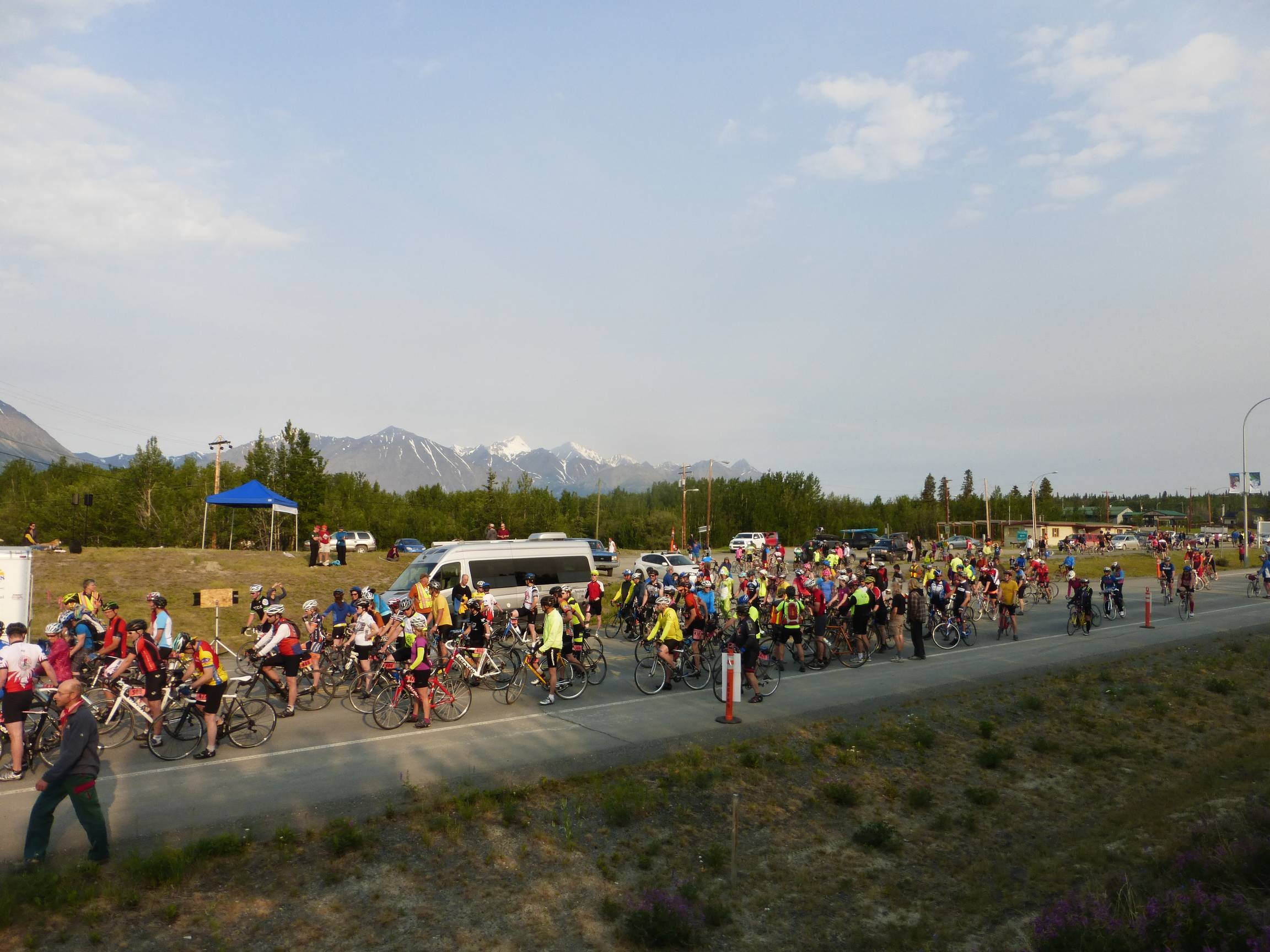 Kluane-Chilkat International Bike Relay b, June 2015